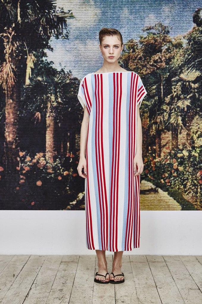 Пижамы, сетка и «Интурист» в новом лукбуке Walk of Shame. Изображение № 13.