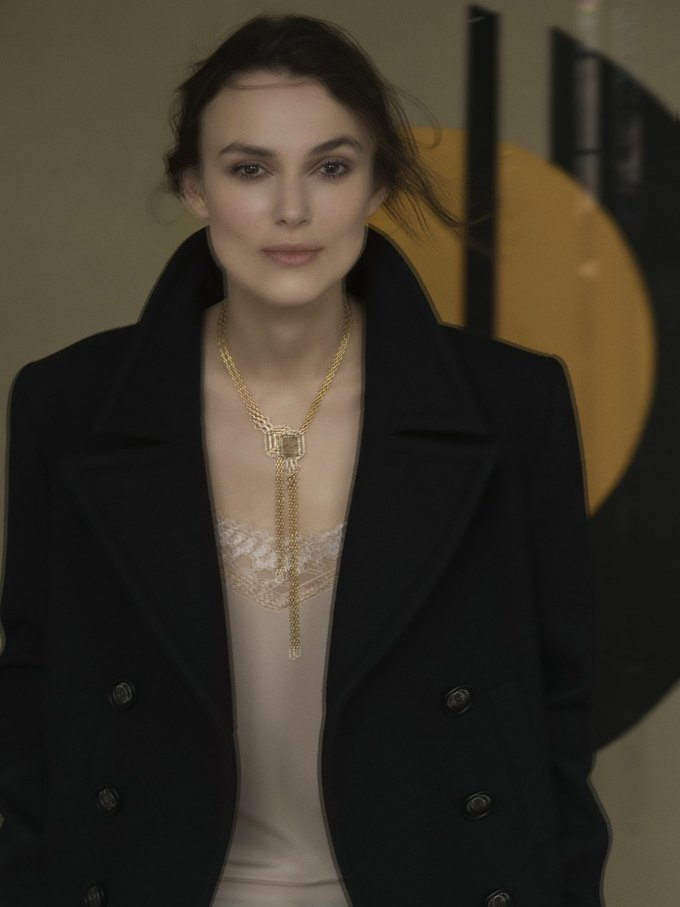 Кира Найтли снялась  в рекламе ювелирной коллекции Chanel. Изображение № 1.