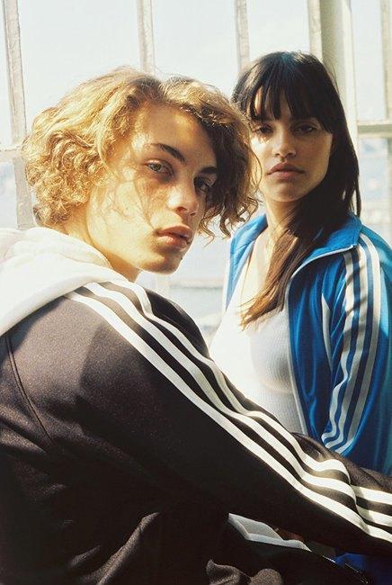 Петра Коллинз сняла рекламную кампанию adidas Originals x Urban Outfitters. Изображение № 3.