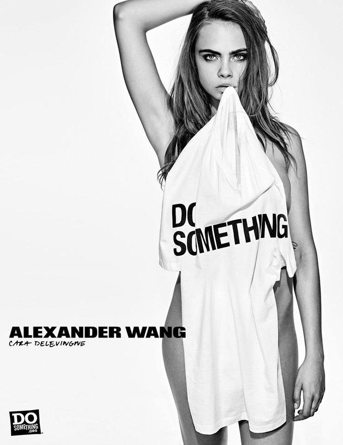 В новой рекламной кампании Alexander Wang снялись 37 звезд. Изображение № 1.