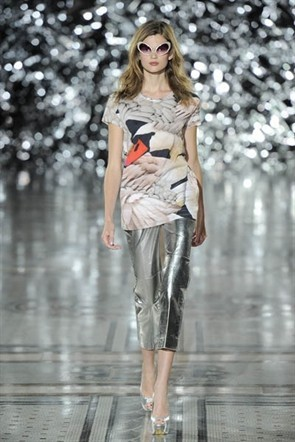 London Fashion Week: Показ и бэкстейдж Giles. Изображение № 21.