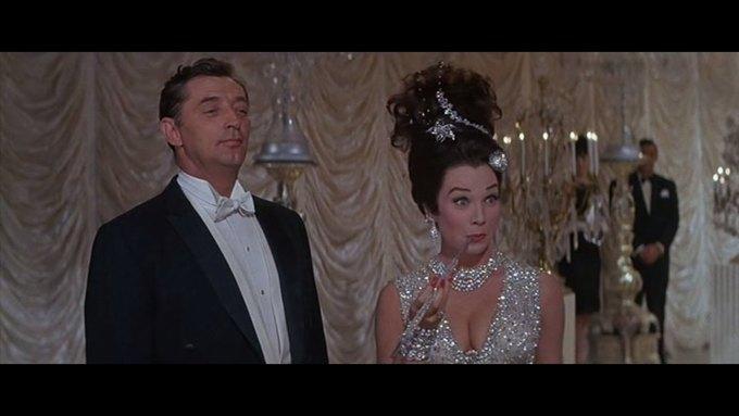 Что можно узнать о стиле  из комедии 60-х  «Что за путь!». Изображение № 19.