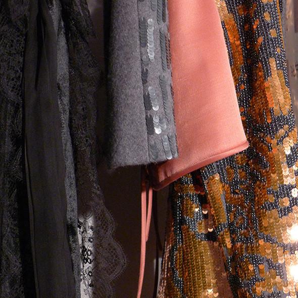 Изображение 49. Milan Fashion Week: бэкстейдж Alberta Ferretti.. Изображение № 40.