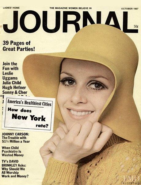 Как менялась роль макияжа в жизни женщины. Изображение № 4.
