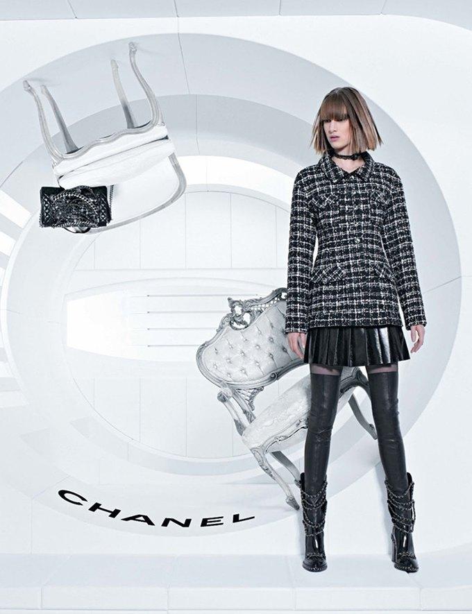 Chanel выпустила футуристическую кампанию. Изображение № 4.