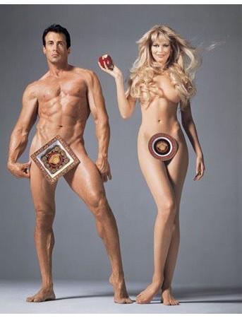 Актер Сильвестр Сталлоне и модель Клаудия Шиффер в рекламной кампании Versace. Изображение № 58.