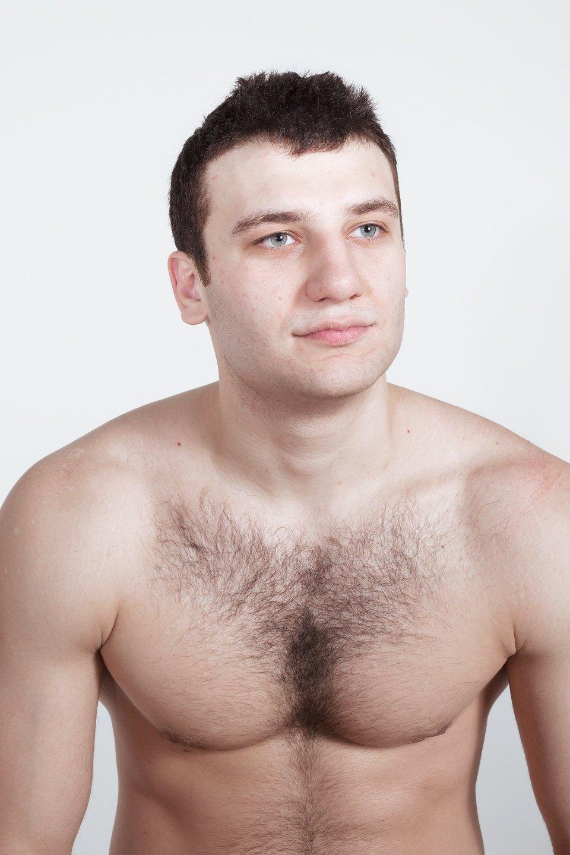 Голые и серьёзные:  Мужчины об отношении  к своему телу. Изображение № 26.