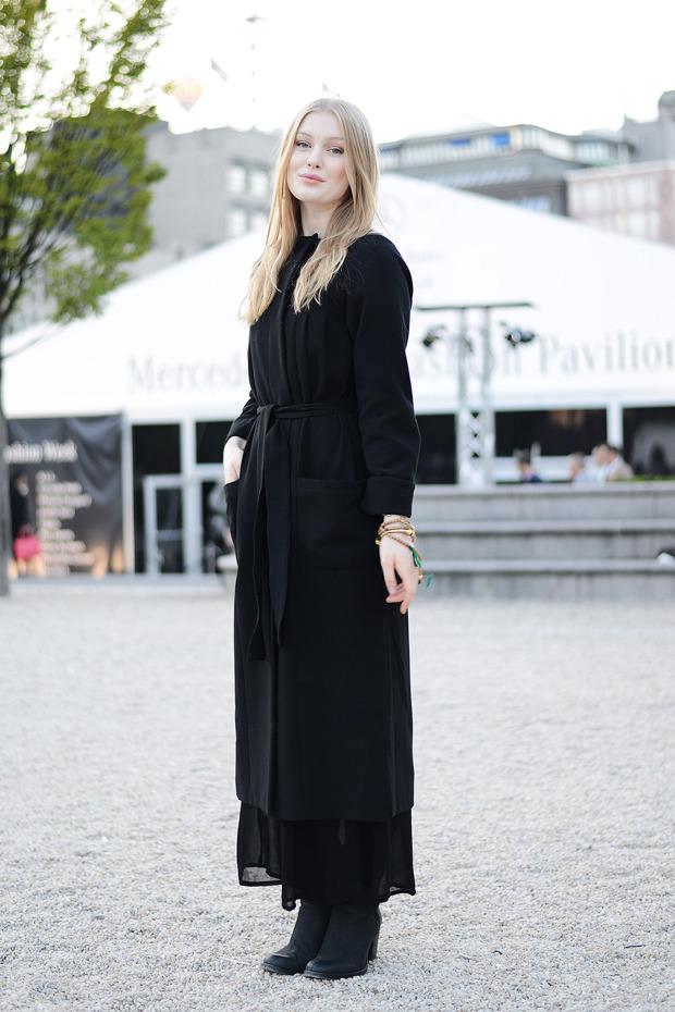 Парни в криперах и девушки в шортах на Неделе моды в Стокгольме . Изображение № 19.