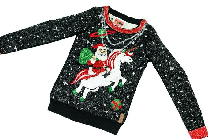 Можно ли было сделать уродливый свитер ещё уродливее? Да!. Изображение № 1.