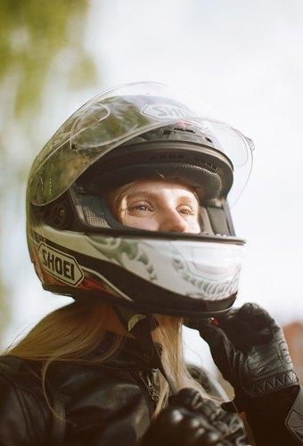 Я и друг мой мотоцикл: Девушки о мотоспорте  и своих байках. Изображение № 25.