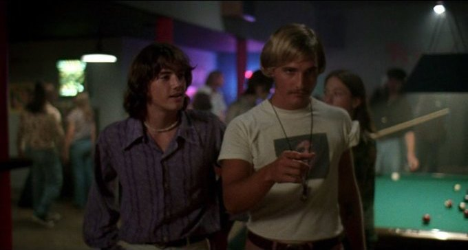 Что можно узнать о стиле 70-х из фильма «Под кайфом и в смятении». Изображение № 44.