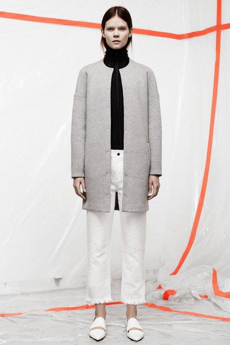Кожаные толстовки и брюки в коллекции T by Alexander Wang. Изображение № 13.