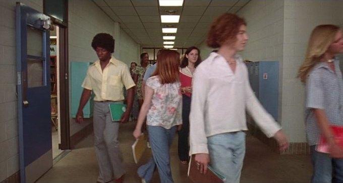 Что можно узнать о стиле 70-х из фильма «Под кайфом и в смятении». Изображение № 3.
