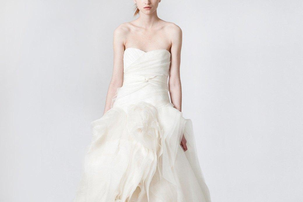 От платья-торта до джинсов: Как менялась свадебная мода. Изображение № 2.