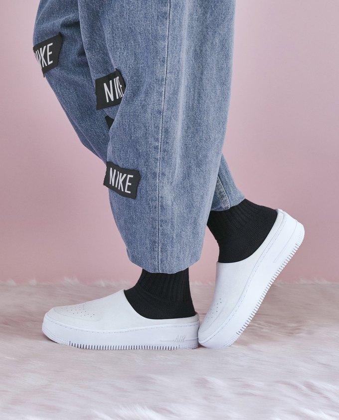 14 женщин-дизайнеров переосмыслили культовые кеды Nike. Изображение № 3.
