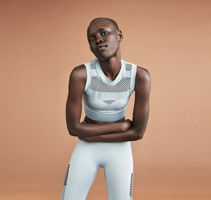 Одежда спортивной марки Бейонсе Ivy Park будет продаваться в России. Изображение № 10.