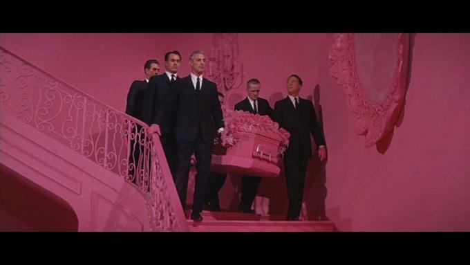 Что можно узнать о стиле  из комедии 60-х  «Что за путь!». Изображение № 3.