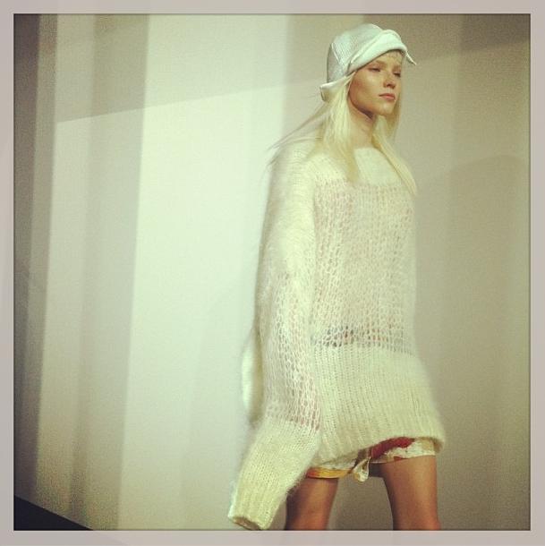 Прямой репортаж  с Paris Fashion Week:  День 5. Изображение № 16.