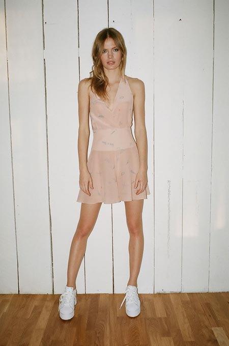 Пижамы, комбинации и халаты в новой коллекции Walk of Shame. Изображение № 2.