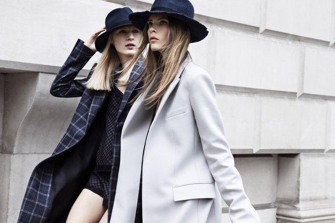 Модели на улицах Лондона в новой кампании Zara. Изображение № 7.