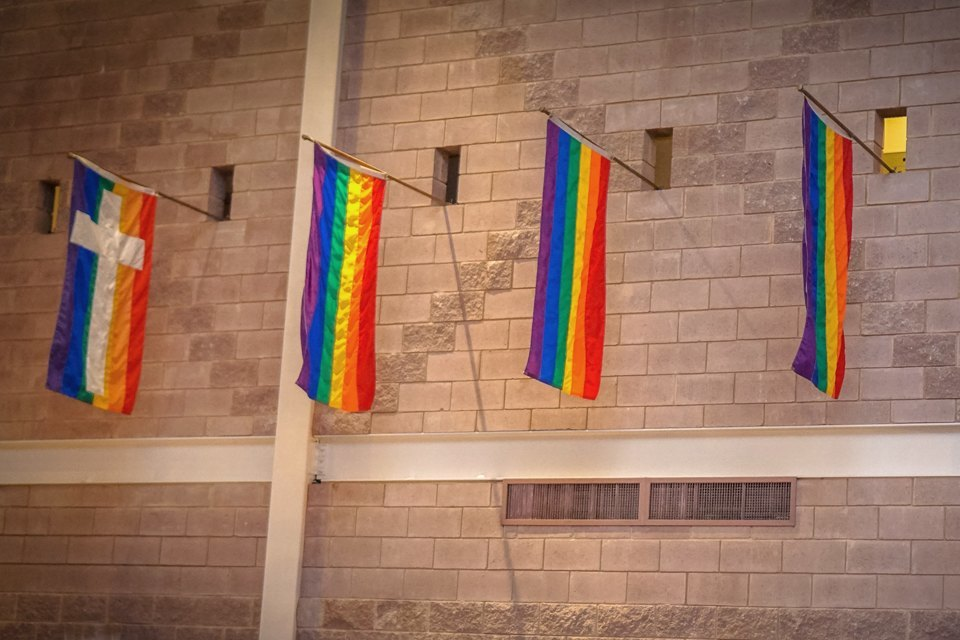 10 церквей, которые не преследуют гомосексуальность  . Изображение № 1.