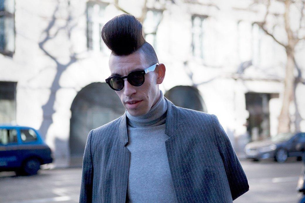 Стритстайл:  Что носят гости  London Fashion Week. Изображение № 17.