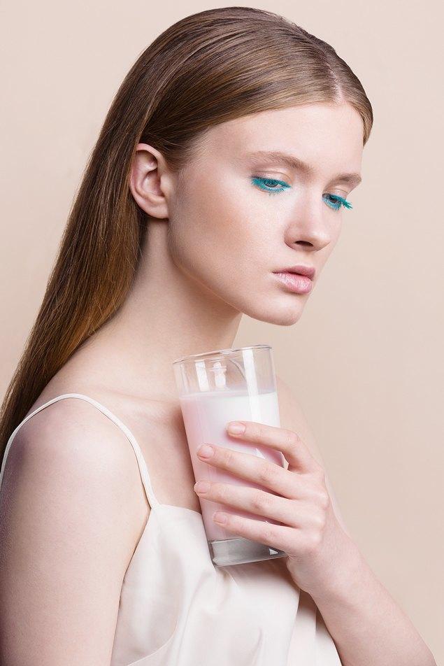 6 вариантов макияжа  с цветной тушью. Изображение № 1.