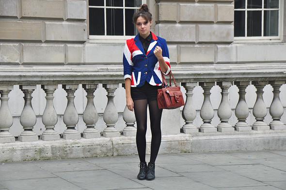London Fashion Week: Уличный стиль, часть 2. Изображение № 18.