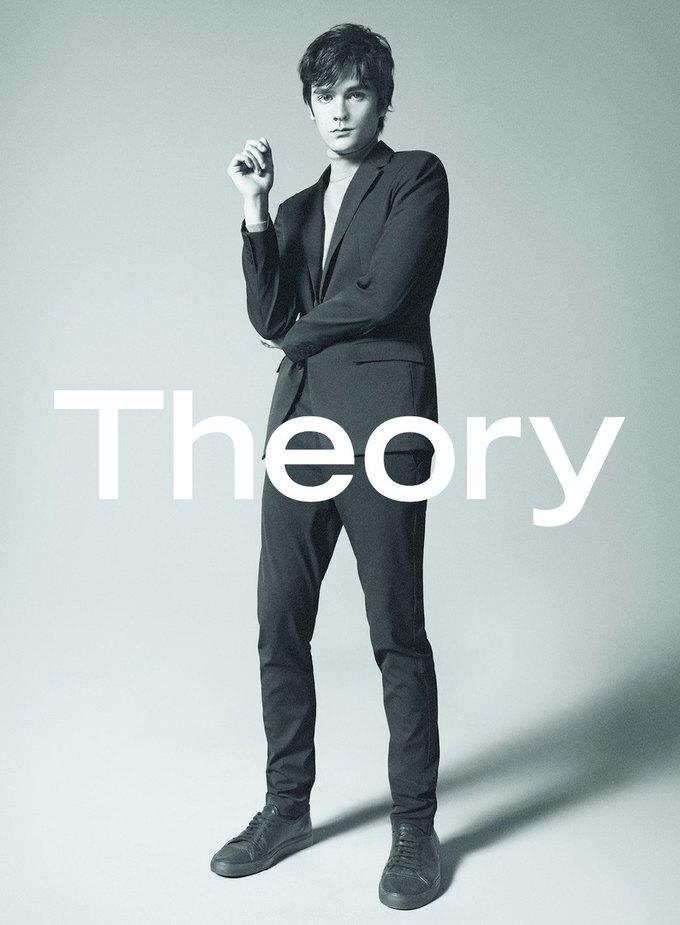 Сын Алена Делона стал лицом новой коллекции Theory. Изображение № 2.