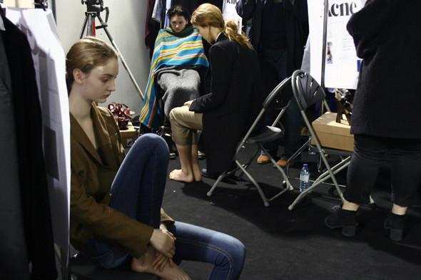 London Fashion Week: бэкстейдж показа Acne. Изображение № 6.