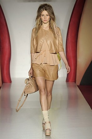 London Fashion Week: Jonathan Saunders и Mulberry. Изображение № 16.