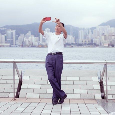 «Self Promenade»: Любители селфи в Гонконге. Изображение № 6.