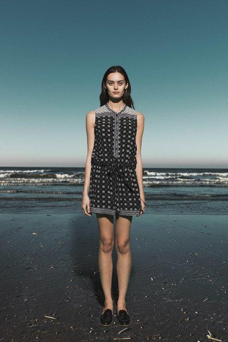 Леопардовые пальто и кружевные юбки в лукбуке Sea. Изображение № 16.