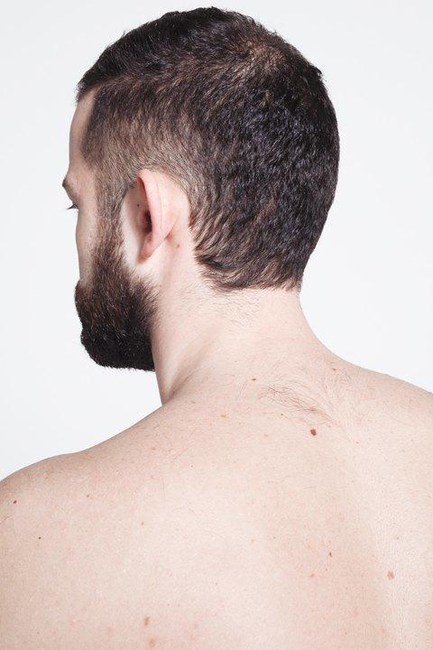 Голые и серьёзные:  Мужчины об отношении  к своему телу. Изображение № 7.