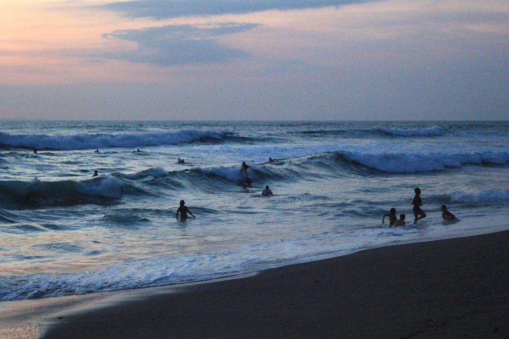 Как сорваться  в сёрф-кемп на Бали  и встать на доску с нуля. Изображение № 4.