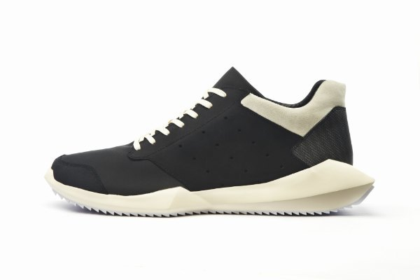 В магазинах появилась вторая коллекция adidas и Рика Оуэнса. Изображение № 1.