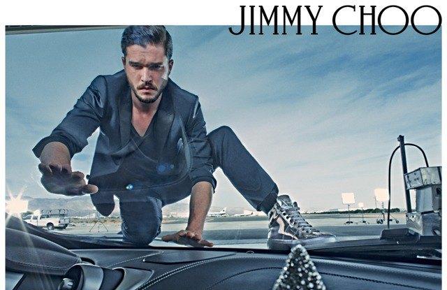 Полез на рожон: Кит Харингтон снялся в новой рекламе Jimmy Choo. Изображение № 1.