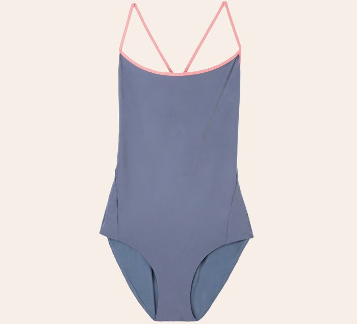 Что носить летом:  10 лаконичных слитных купальников . Изображение № 2.