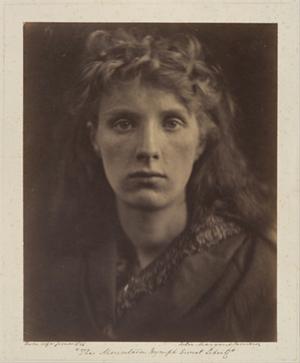Как менялась роль макияжа в жизни женщины. Изображение № 2.