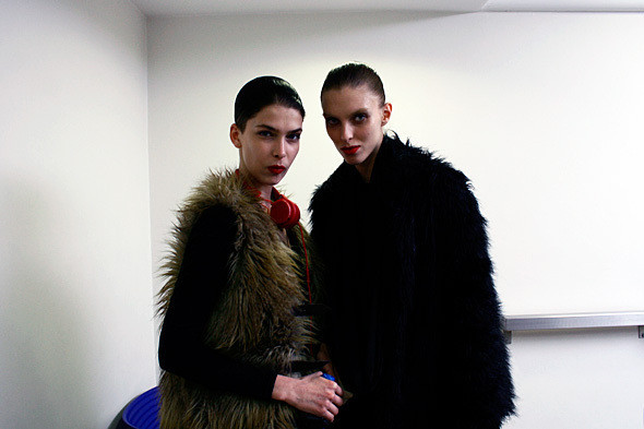 London Fashion Week: показ и бэкстейдж Giles. Изображение № 10.