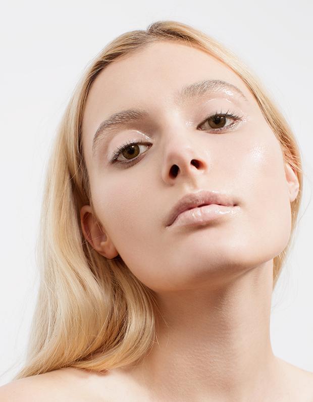 Монохромный макияж: 5 эффектных образов . Изображение № 10.