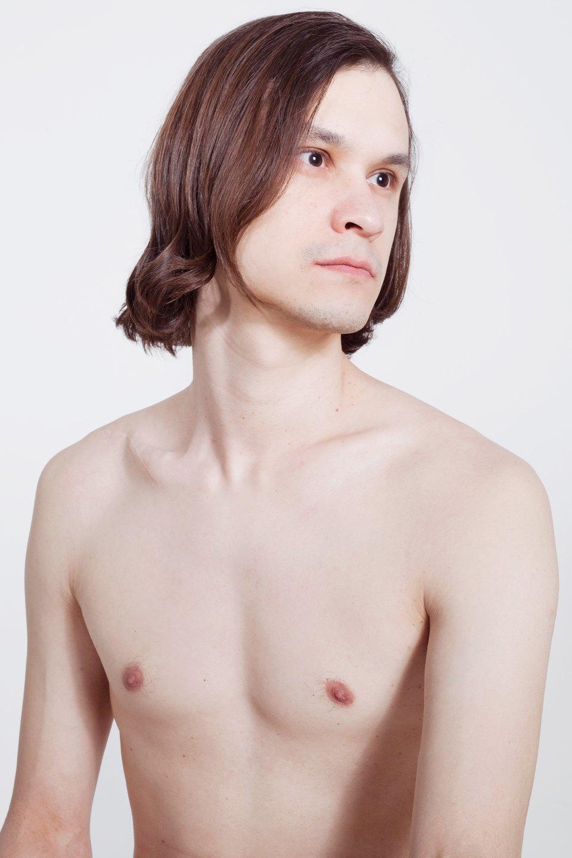 Голые и серьёзные:  Мужчины об отношении  к своему телу. Изображение № 20.