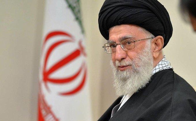 Аятолла Хаменеи назвал объективацию женщин «сионистским заговором». Изображение № 1.