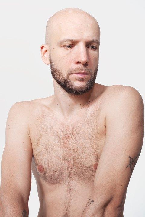 Голые и серьёзные:  Мужчины об отношении  к своему телу. Изображение № 4.