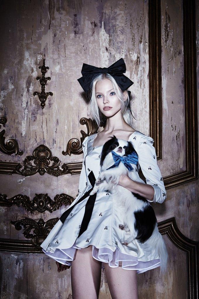 Саша Лусс с собачкой в новом лукбуке Bohemique. Изображение № 12.