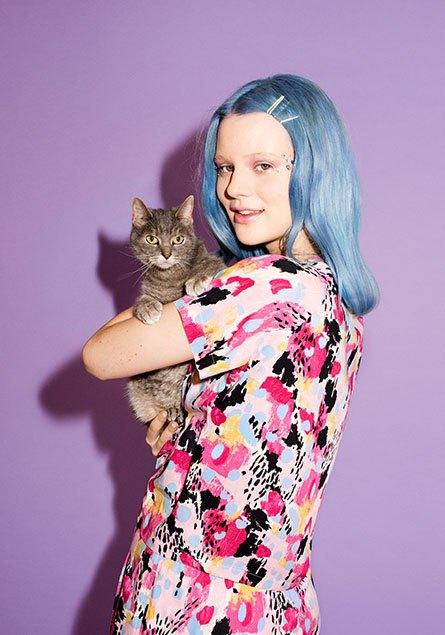 В новой рекламной кампании Monki снялись художница и кошка. Изображение № 1.