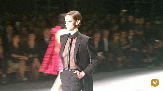 Прямой репортаж  с Paris Fashion Week:  День 7. Изображение № 17.