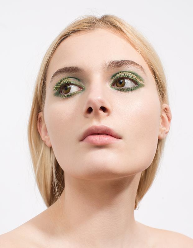 Монохромный макияж: 5 эффектных образов . Изображение № 2.