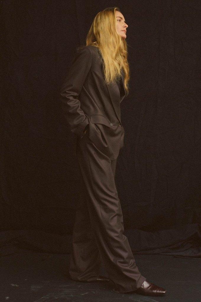The Row показали лукбук  c 42-летней Джорджиной Гренвилл. Изображение № 3.