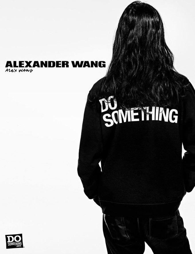 В новой рекламной кампании Alexander Wang снялись 37 звезд. Изображение № 11.
